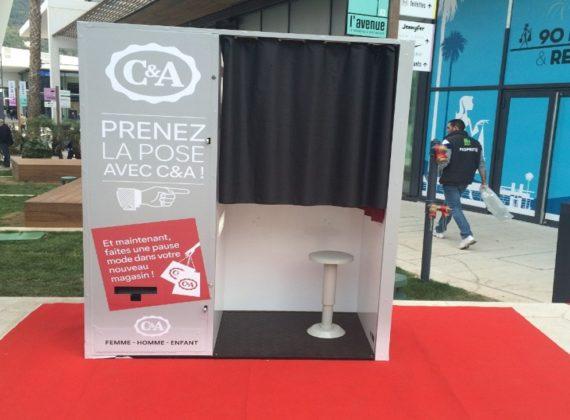 Installation d'un photomaton gratuit pour C&A